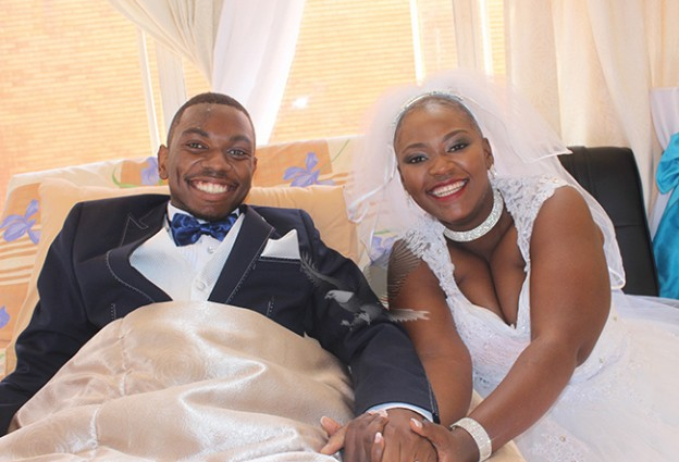 couple weds in hospital